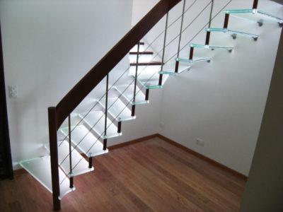 Escalier en verre sur mesure avec incorporation led