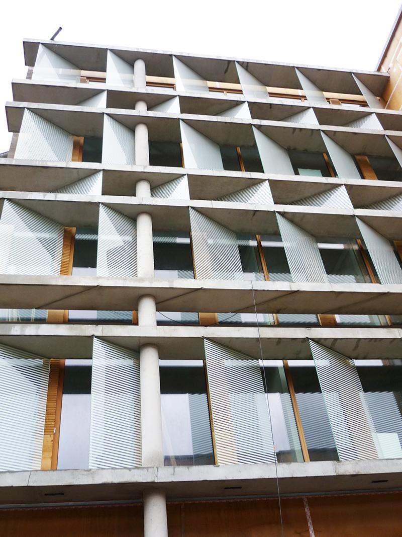 façade en verre sur mesure
