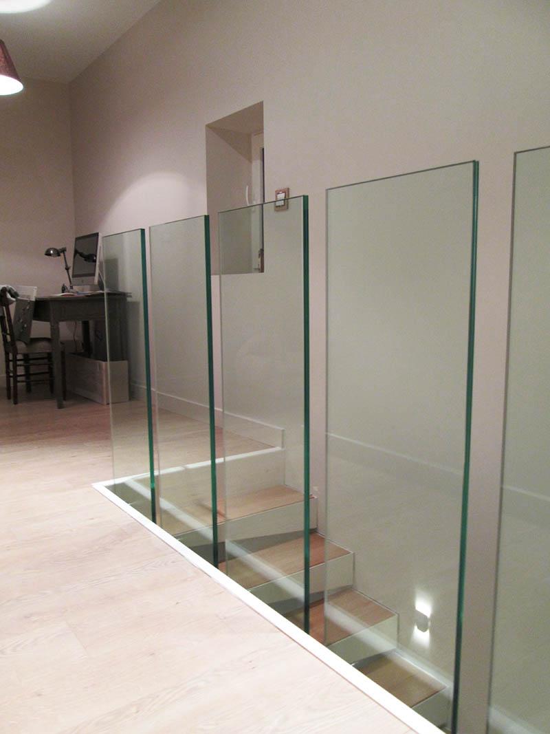 garde corps en verre feuillet de s curit. Black Bedroom Furniture Sets. Home Design Ideas