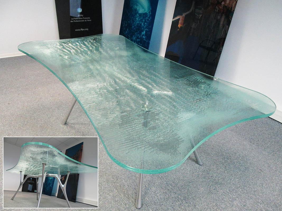 plateau table en verre feuillet d coratif. Black Bedroom Furniture Sets. Home Design Ideas