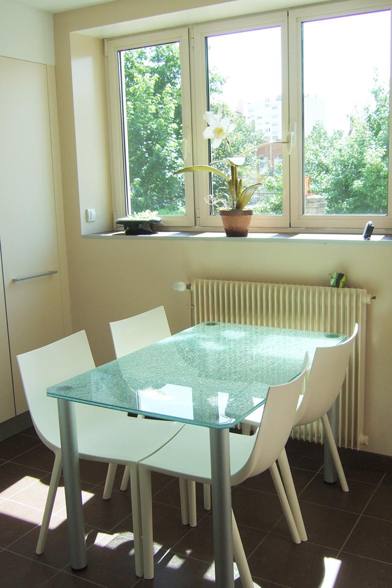 plateau en verre pour table. Black Bedroom Furniture Sets. Home Design Ideas