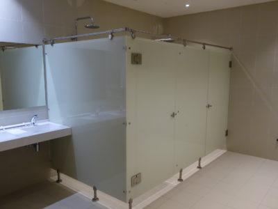 cabine de douche en verre laqué sur mesure