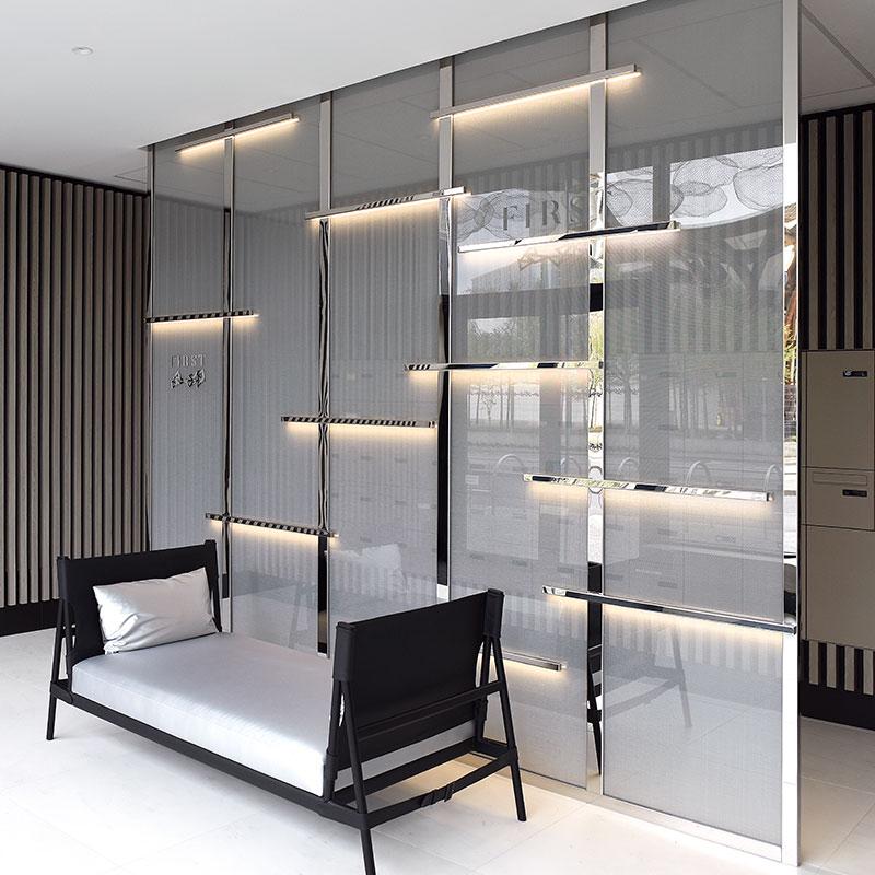 cloison en verre d coratif. Black Bedroom Furniture Sets. Home Design Ideas