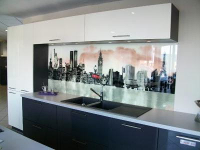 crédence en verre laqué image pour cuisine
