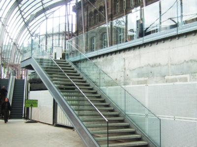 garde corps en verre pour escalier rambarde en verre sur mesure