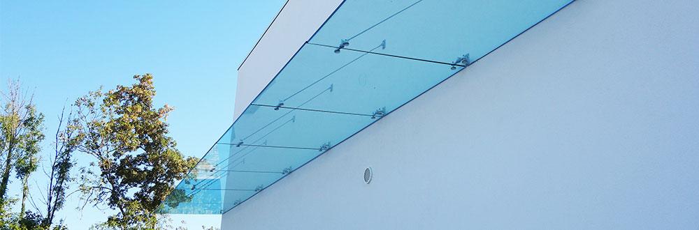 marquise en verre, au vent en verre feuilleté trempé