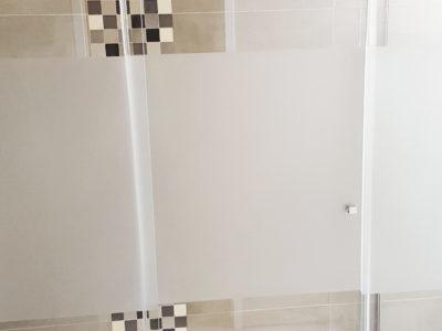 Paroi de douche en verre feuillete sablé