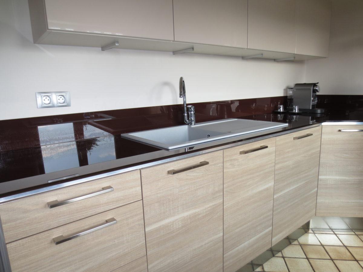 cr dence en verre miroiterie righetti. Black Bedroom Furniture Sets. Home Design Ideas