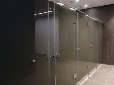 Cabine de douche en verre laqué