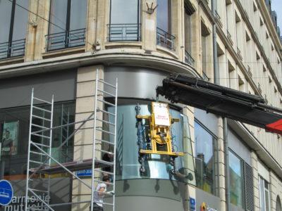 remplacement vitrine de magasin sur mesure
