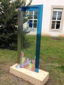 signalétique en verre feuilleté insertion image