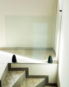 garde corps en verre fixation spécifique