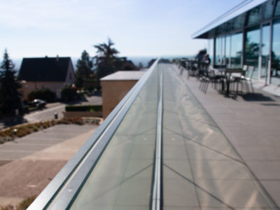 fixation garde-corps vitre balustrade en verre