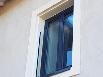 rambarde en verre pour fenêtre