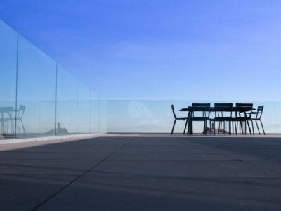 garde-corps en verre sur profile sabco
