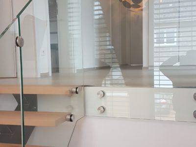 Gard-corps en verre intérieur fixation par points
