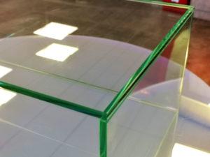 collage en verre transparent sur mesure