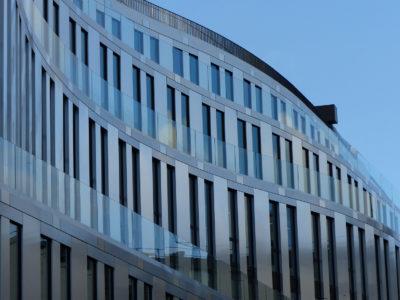 balustrade en verre immeuble bureaux
