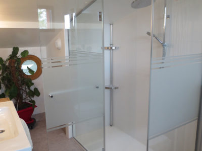 pare douche en verre anti-calcaire