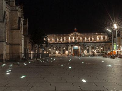dalle de sol en verre pour place publique