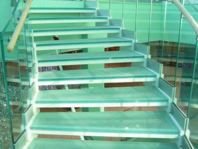 dalle de verre pour escalier
