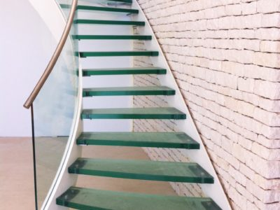 escalier en verre antiderapant
