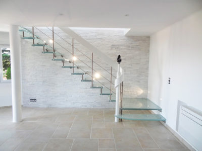 escalier en verre feuillete brise