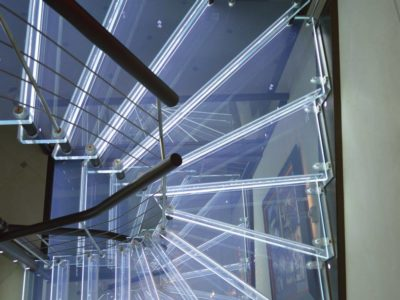 escalier en verre feuillete incorporation leds