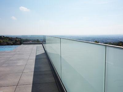 Garde-corps en verre pour extérieur
