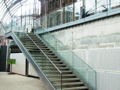 garde corps escalier sur mesure pour lieu public