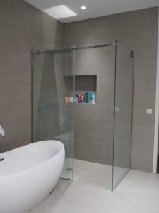 paroi de douche en verre anticalcaire sur mesure