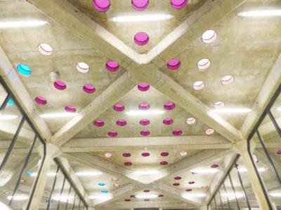 Dalles de sol en verre pour espace public