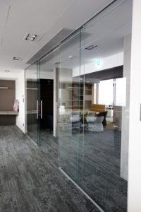 cloison vitrée pour bureaux