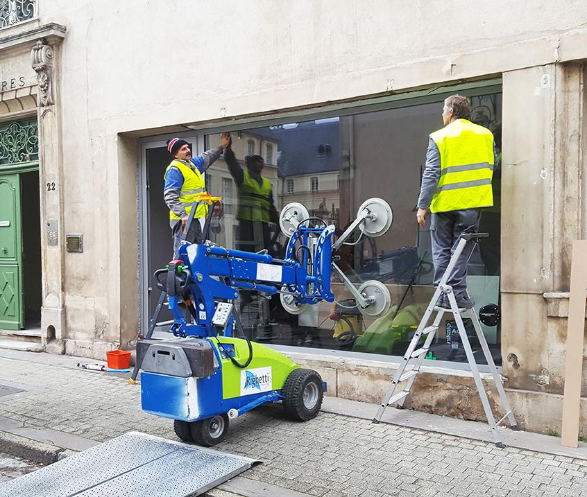 remplacement vitrine cassée