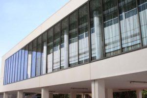 facade en verre sur mesure pour bureaux