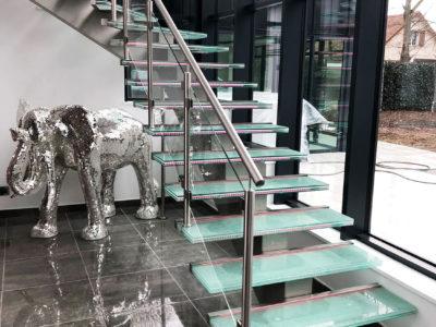 marcehe escalier verre brise