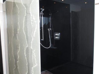 paroi de douche en verre moderne