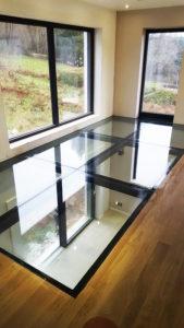 plancher en verre transparent