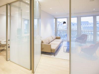 cloison en verre pour bureaux moderne