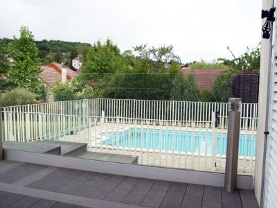 cloture de piscine en verre.jpg