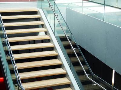 garde corps en verre escalier