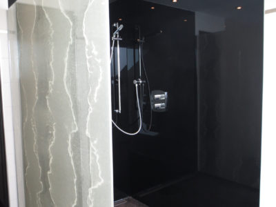installation vitrage decoratif paroi de douche