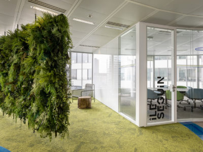espace de travail en verre