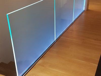 garde corps en verre sur profil avec leds