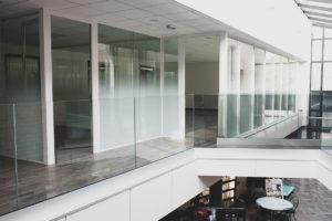 Garde corps en verre sur profilé Translevel