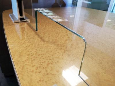 Protection en verre avec Passe-document
