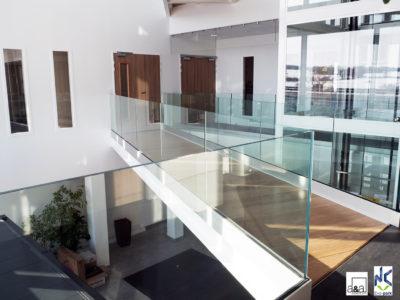 Garde-corps en verre pour entreprise