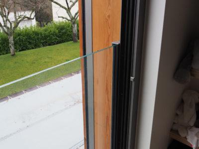 Garde-corps en verre sur profils latéraux