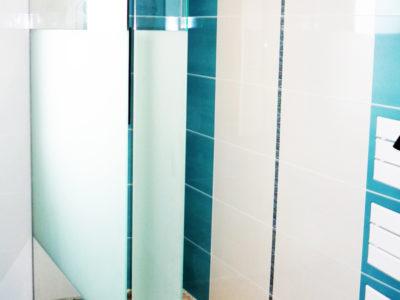 paroi de douche en verre trempé sablé